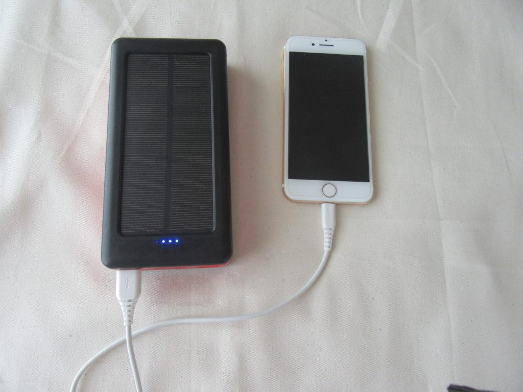 モバイルソーラーバッテリー iphone 充電